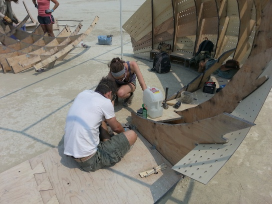 Building the shipwreck - finishing the cave part.