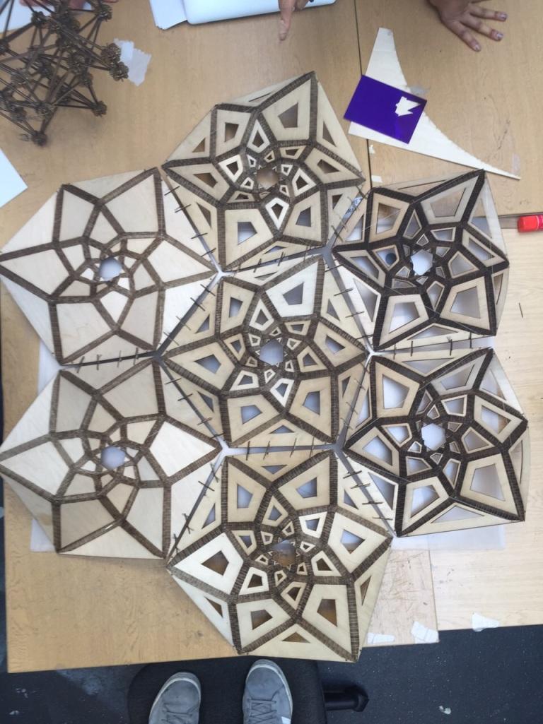Lorna Jackson's kerfed Spirohedron. (spidron ™ )