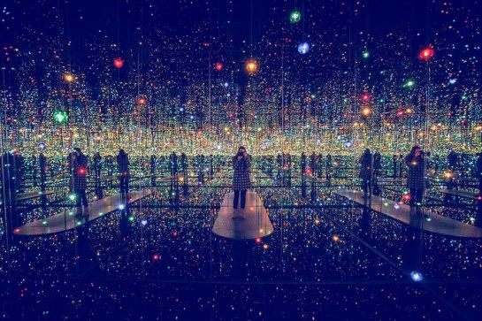 infinity-mirrored-room-yayoi-kusama-3.jpg